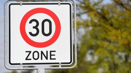 Erstrecken sich künftig großflächige Tempo-30-Zonen über Babenhausen? Diese Frage ließ der neu formierte Bauausschuss noch offen.