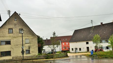 """Kellmünz beteiligt sich am Projekt """"Marktplatz der Generationen"""" des Sozialministeriums. Interesse besteht an einem Seniorenwohnkonzept, das gegenüber der Pfarrkirche St. Martin verwirklicht werden könnte."""