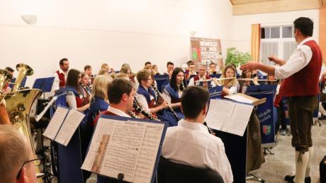 Das Bild entstand beim Festabend zum 150-jährigen Bestehen der Musikkapelle Kirchhaslach. Derzeit dürfte das Blasorchester in diesem Rahmen nicht musizieren.