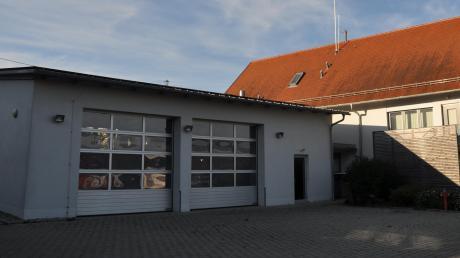 Eine PV-Anlage mit Stromspeicher wurde auf der Fahrzeughalle der Winterrieder Feuerwehr installiert.