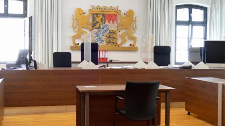 Das Memminger Landgericht musste die Frage beantworten, ob ein dementer 84-Jähriger nach Angriffen auf seinen Neffen weiterhin gefährlich ist - und wo er künftig untergebracht wird.