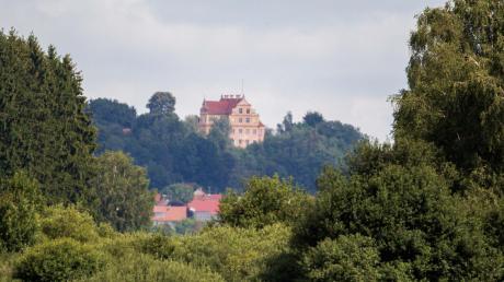 So idyllisch liegt das Schloss Osterberg. Die belgische Königstochter Delphine war Ende der 80er Jahre dort häufiger zu Gast. Gemeinsam mit ihrer Mutter besuchte sie den damaligen Schlossherrn, Dieter Freiherr von Malsen-Ponickau.