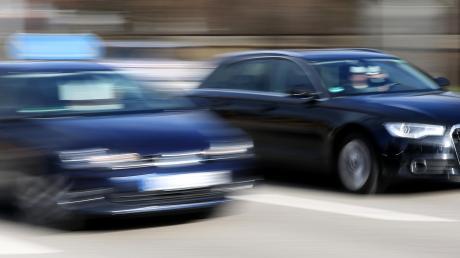 Ein illegales Autorennen meldete die Polizei im Sommer aus Kissing. Nun standen die beiden jungen Raser vor dem Aichacher Jugendgericht.