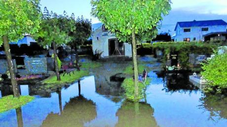 Beim Hochwassereinsatz im Juli hat sich gezeigt, dass die Kellmünzer ihr altes Feuerwehrfahrzeug weiter gut gebrauchen können.