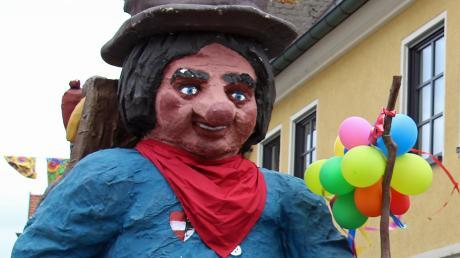 """Der """"Ranzenburger"""", Symbolfigur der traditionsreichen Fasnet in Dietenheim, muss """"im Stall bleiben""""."""