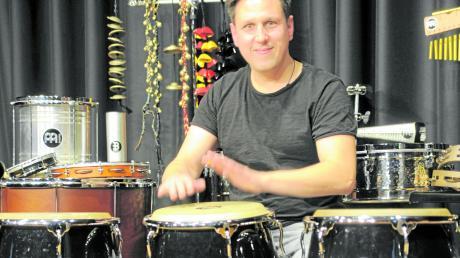 Christoph Scherer zeigt, wie es mit Percussions besser klingt.
