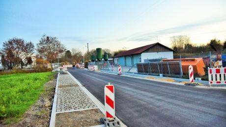 Die Straßenbauarbeiten in der Kellmünzer Weiherstraße sind jetzt angelaufen.