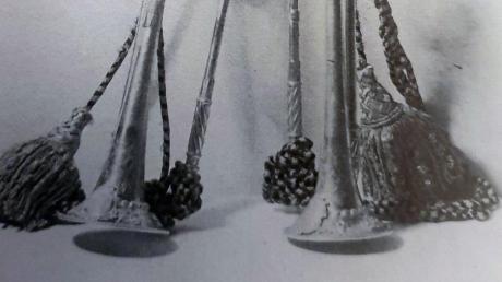Zwei Trompeten von Michael Leichambschneider (Wien 1741), heute Kulturhistorisches Museum. Reproduktion einer alten Aufnahme.