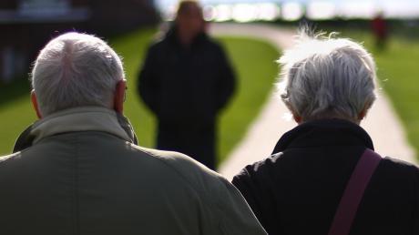 Auch in Diedorf wird es in Zukunft immer mehr alte Menschen geben. Auf ihre Bedürfnisse stellt sich der Landkreis mit einem Gesamtkonzept ein. Anderes kann aber auch in den Kommunen selbst getan werden.