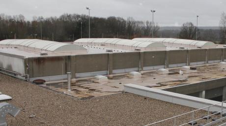 Die Dreifachturnhalle in Babenhausen, die sich in direkter Nähe zu den drei Schulen befindet, ist sanierungsbedürftig. Arbeiten an den Umkleideräumen sollen in diesem Jahr starten, so der Plan.