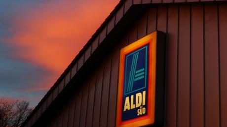 Die Aldi Süd Regionalgesellschaft Altenstadt stellt ihren Betrieb noch dieses Jahr ein. 200 Mitarbeiter verlieren ihren Job.