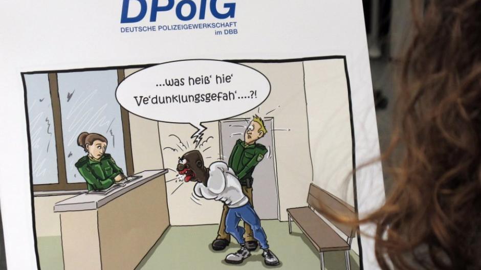 Witze über Selbstmörder und Ausländer: Rassistische Karikaturen ...