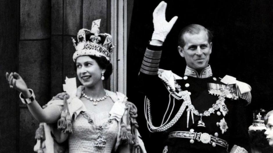 Elizabeth wird Königin