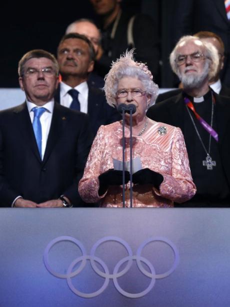 Eroffnung Olympia 2012 Die Queen James Bond Und Mr Bean London Gibt Sich Die Ehre Augsburger Allgemeine