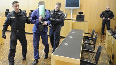 Die beiden Brüder schweigen im Polizistenmord-Prozess weiter.