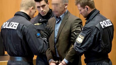 Einer der beiden Angeklagten im Prozess um den Augsburger Polizistenmord: Raimund M.