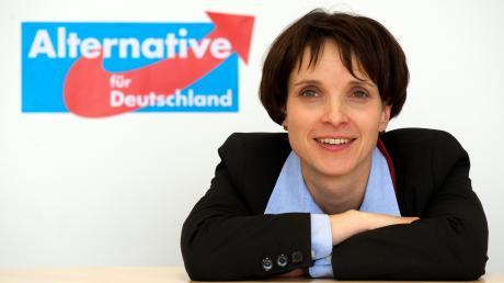 Das Vorstandsmitglied und Sprecherin der Partei Alternative für Deutschland (AfD), Frauke Petry, aufgenommen am 15.03.2013 in Leipzig (Sachsen). Foto: Peter Endig/dpa