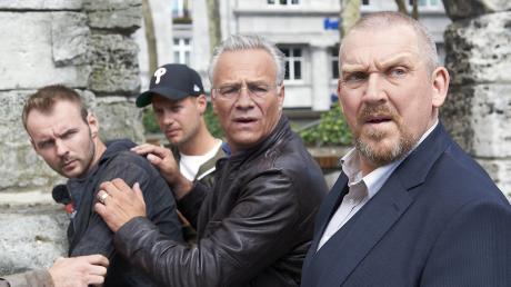 Tatort aus Köln am Sonntag:  Die Kommissare Max Ballauf (Klaus J. Behrendt) und Freddy Schenk (Dietmar Bär, r) haben bei der Lösegeld-Übergabe den Falschen geschnappt.