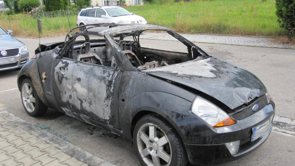 Krumbach Auto Brennt Total Aus Nachrichten Krumbach Augsburger