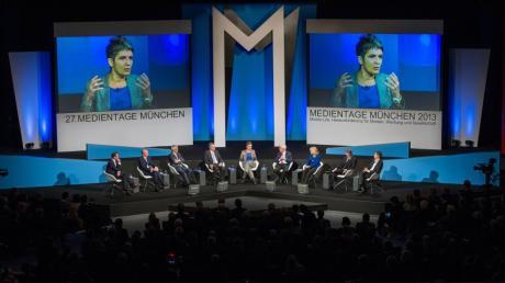 """Unter dem Motto """"Mobile Life: Herausforderung für Medien, Werbung und Gesellschaft."""" diskutierten Medienexperten beim """"Publishing Gipfel"""" im Rahmen der 27. Münchner Medientage."""