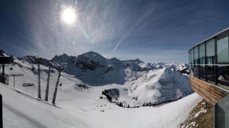 <p>Im Skigebiet Fellhorn/Kanzelwand ist trotz der bisher mauen Schneelage der Skibetrieb möglich.</p>