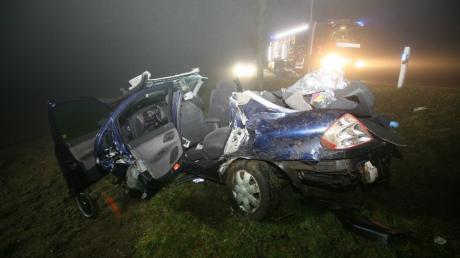 Bei einem schweren Glätteunfall nahe Münster im Landkreis Donau-Ries waren kurz vor Weihnachten 2013 zwei 16-Jährige ums Leben gekommen.