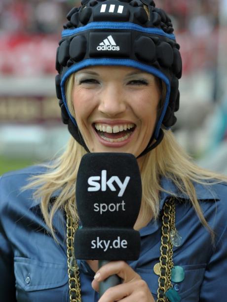 Tv Unfall Sky Moderatorin Schon Wieder Abgeschossen Sport