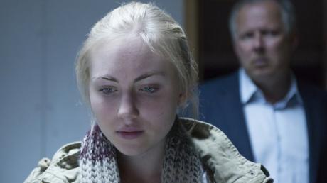 """Die Schauspieler Elisa Schlott brilliert in ihrer Rolle der Rita Holbeck im neuen Kieler Tatort """"Borowski und der Himmel über Kiel""""."""