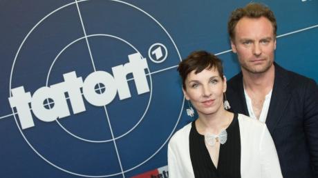 """Die Schauspieler Meret Becker und Mark Waschke sind die neuen Kommissare des Berliner """"Tatort"""". Am Sonntag nehmen sie als Ermittler ihre Arbeit auf."""