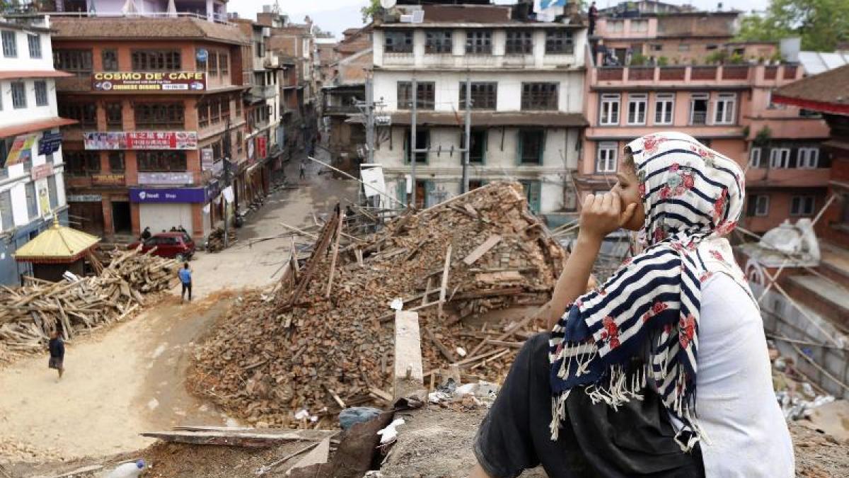 erdbeben in nepal alles ist zerst rt wie eine studentin das beben in nepal erlebte promis. Black Bedroom Furniture Sets. Home Design Ideas