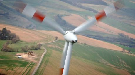 Nahe des Holzheimer Ortsteils Riedheim sollen drei Windräder gebaut werden. Holzheim und Baar hatten dagegen geklagt.