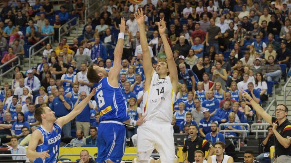 Basketball Em 2015 Deutschlands Basketballer Starten Mit Sieg In