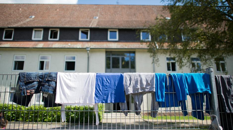 Braunschweig Mehr Als 300 Fluchtlinge Prugeln Sich Politik