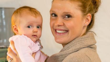 Evi Sachenbacher-Stehle hat das Leben als Spitzensportlerin hinter sich gelassen. Seit drei Monaten ist sie Mutter, seitdem bestimmt Tochter Mina den Tagesablauf.