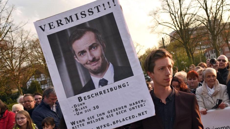 Jan Böhmermann Wer Ist Der Böhmer Mann Der Zum Politikum Wurde