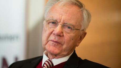 Der ehemalige Ministerpräsident von Brandenburg, Manfred Stolpe, ist im Alter von 83 Jahren gestorben
