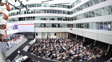 Bereits auf der Hauptversammlung war das Midea-Angebot Thema.