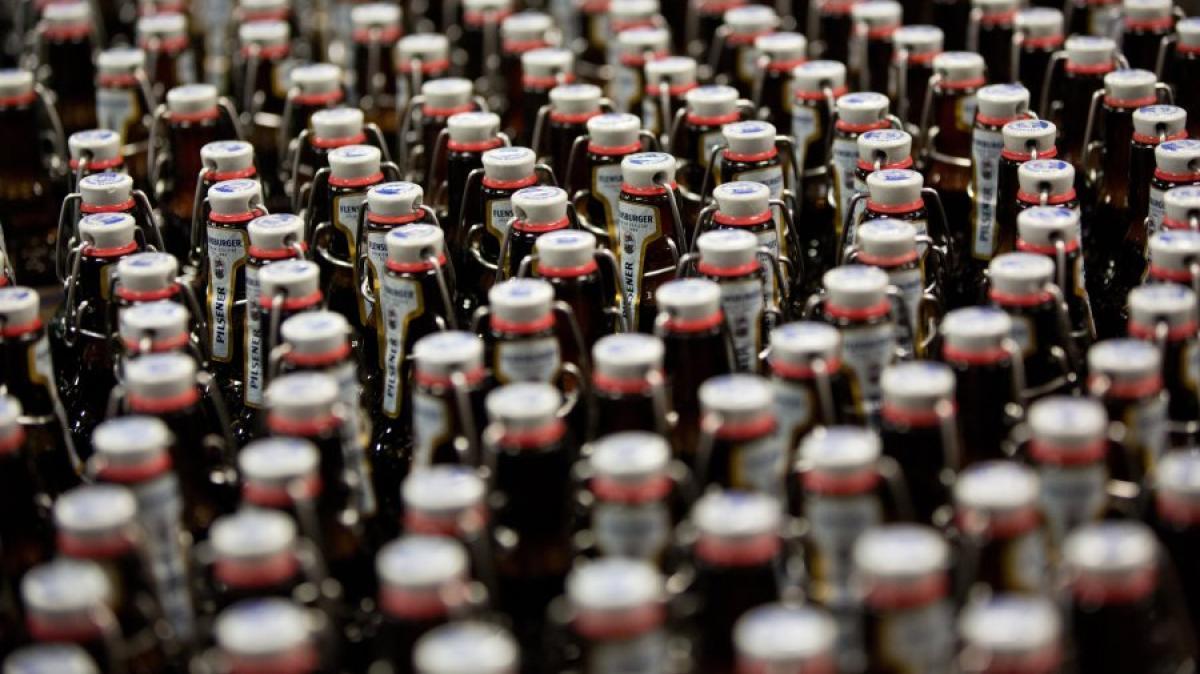 bier bierflaschen mit b gelverschluss werden beliebter wirtschaft aktuelle wirtschafts und. Black Bedroom Furniture Sets. Home Design Ideas