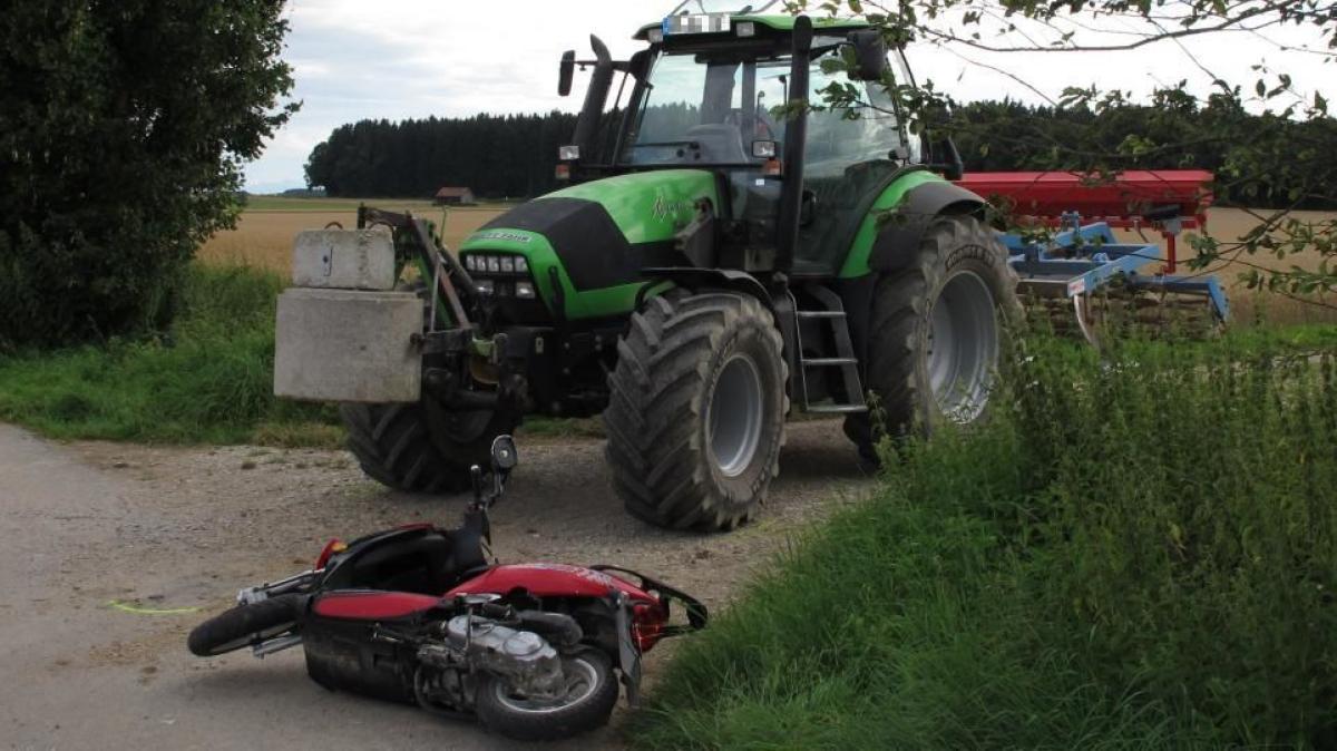 kreis landsberg rollerfahrer prallt gegen traktor und wird schwer verletzt nachrichten. Black Bedroom Furniture Sets. Home Design Ideas