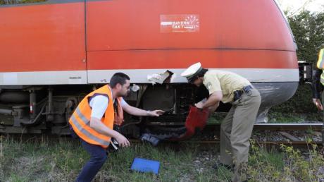 Die Leiche des Würzburger Attentäters ist anonym bestattet worden. Er hatte im Juli in einem Regionalzug in Würzburg mit einer Axt und einem Messer fünf Menschen schwer verletzt.