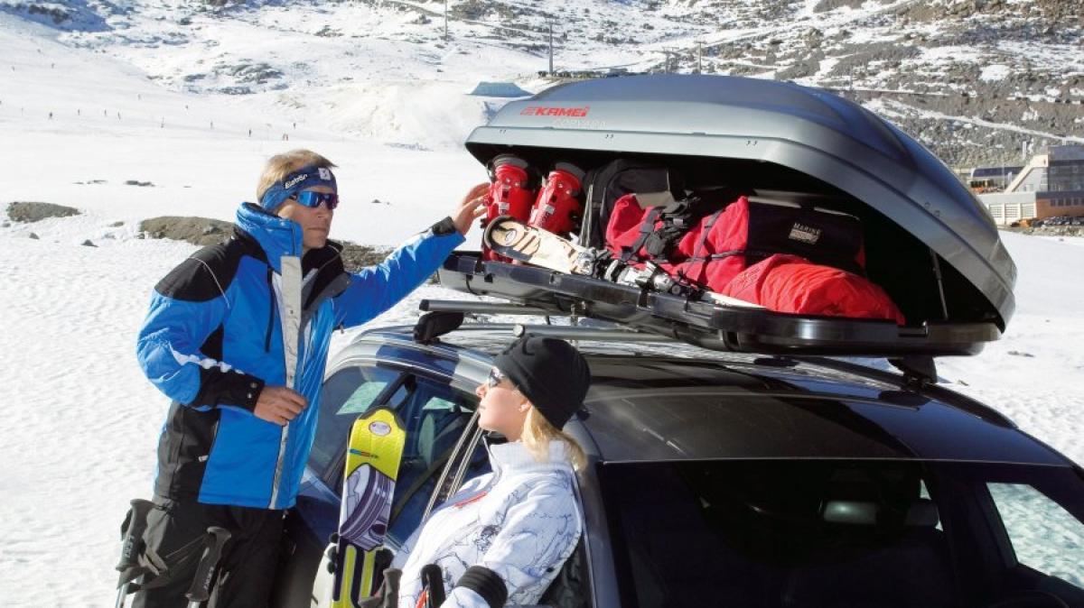 verkehr diese regeln gelten f r den ski transport im auto. Black Bedroom Furniture Sets. Home Design Ideas
