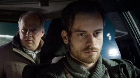 Tatort am Sonntag: Entführer Rainald Klapproth (Florian Bartholomäi) auf dem Weg nach Leipzig - mit im Taxi die Kommissare Lindholm (Maria Furtwängler) und Borowski (Axel Milberg).