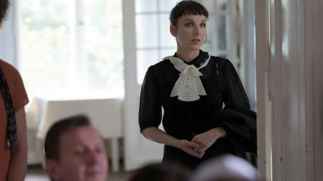 """Meret Becker, die die Kommissarin Rubin spielt, rettet den """"Tatort"""" heute, dessen Handlung manchmal zu chaotisch ist."""