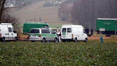 N. soll die Leichen außerhalb von Hirblingen an der Schmutter vergraben haben.