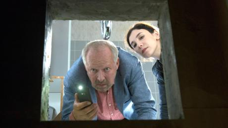 Kommissar Borowski (Axel Milberg) und Sarah Brandt (Sibel Kekilli) stoßen auf einen grausamen Fund. Szene aus dem Kieler Tatort, der heute im Ersten läuft.