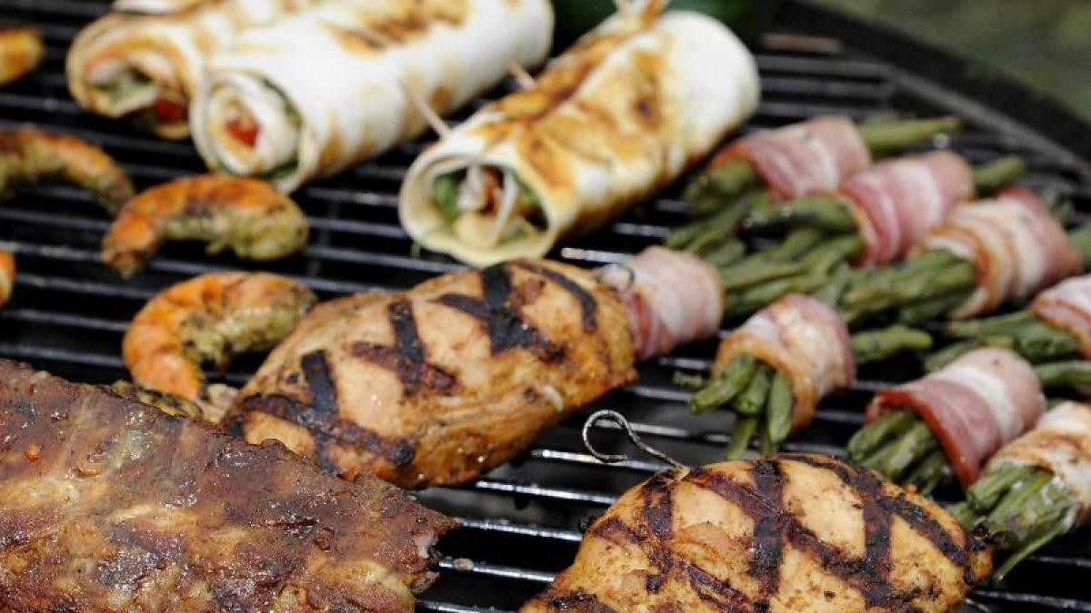 grill-tipps: wegen tropfendem Öl: fleisch vor dem grillen immer