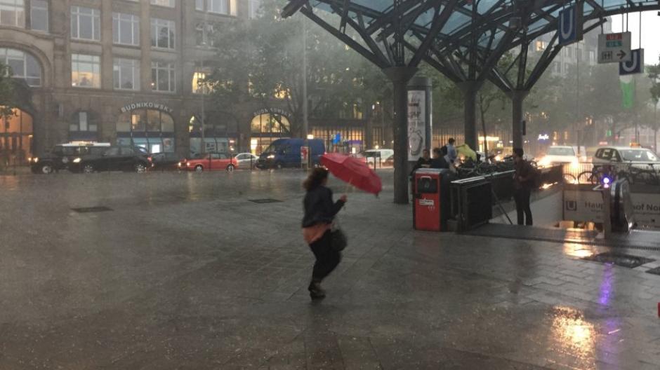 Gewitter Zwei Menschen Sterben Bei Unwettern In Norddeutschland