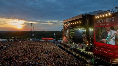 Rock am Ring 2018 rockt seit Freitag, 1. Juni, die Eifel. Am Samstag stehen Muse, am Sonntag die Foo Fighters und Gorillaz auf der Bühne.