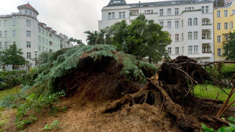 Wetter Unwetter Hält Teile Deutschlands In Atem Berlin Weiter