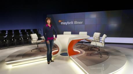 """Einmal pro Woche führt Maybrit Illner durch ihren gleichnamigen Polittalk. Mit Gästen aus Gesellschaft, Politik und Wirtschaft diskutiert sie live aus Berlin das """"Thema der Woche""""."""